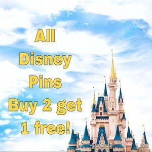 Disney Jewelry - Disney Mickey Mouse trading pin